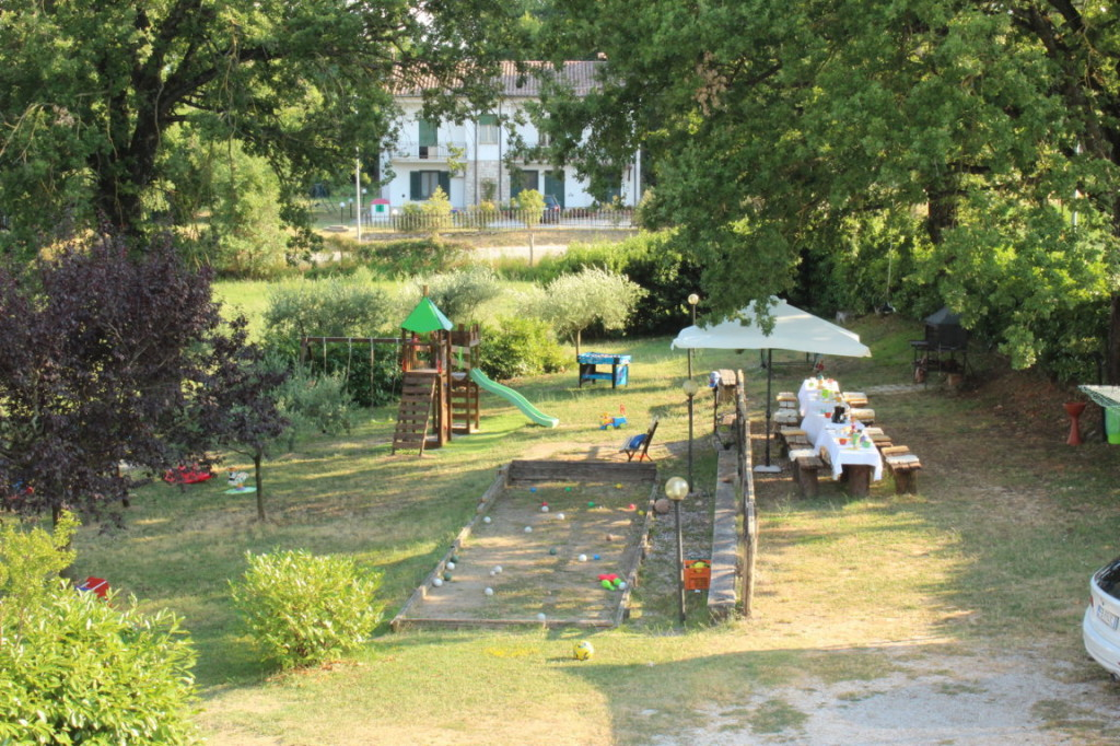 Casa vacanze con piscina e parco giochi a Terni