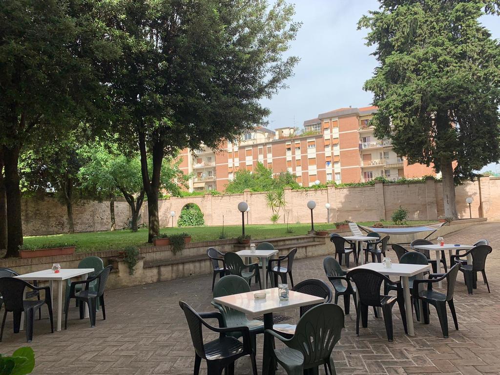 Sala attrezzata per organizzare una festa a Foligno