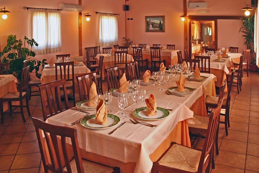 Vacanze in appartamento con ristorante, piscina a Terni