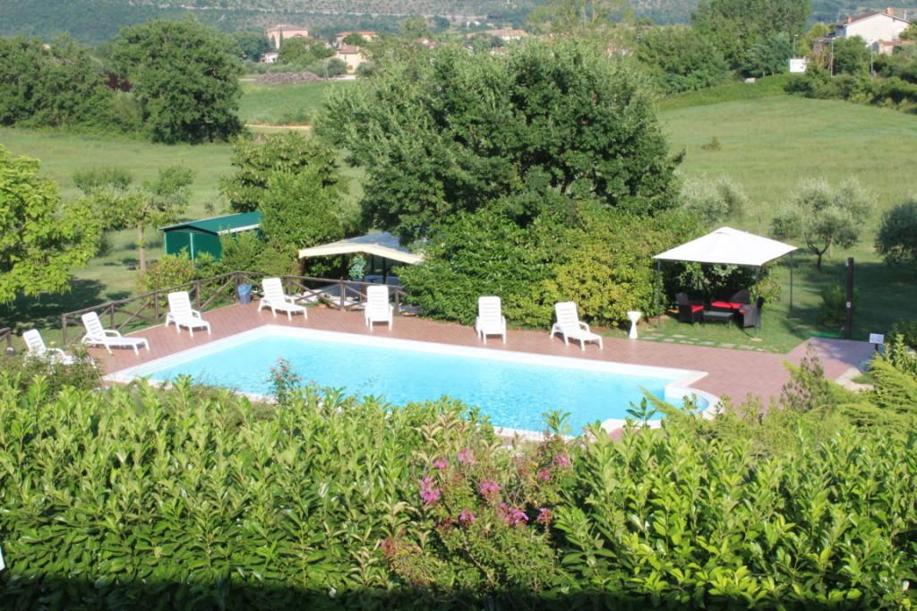 Vacanze in appartamento in campagna con piscina in Umbria