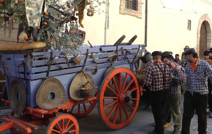 Passeggiate, carri allegorici per la Festa dell'Olivo e Sagra della Bruschetta a Spello