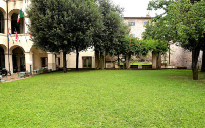 Epifania in centro a Foligno in Ostello economico con camere e ristorante