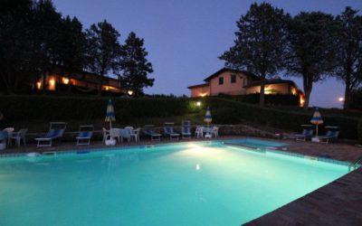Offerta WEEKEND in agriturismo per famiglie con piscina e ristorante a Città di Castello
