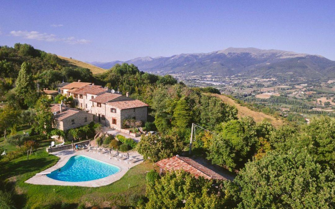 Offerta Weekend in casa vacanza con piscina e parco giochi a Nocera Umbra