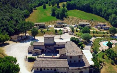 LUGLIO a Spoleto in Country House con Ristorante e Piscina Salata