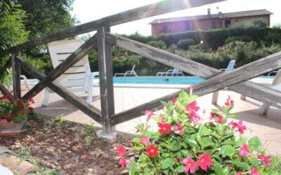 LUGLIO in appartamenti vacanza in Casale umbro con piscina e parco giochi