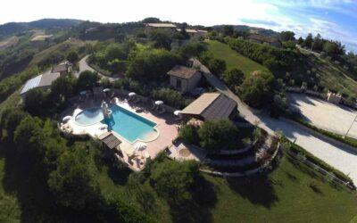 Lastminute LUGLIO Agriturismo con piscina e barbecue tra Gualdo e Assisi