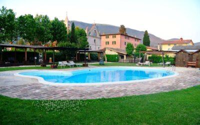 Offerta GIUGNO per famiglie ad Assisi in agriturismo con piscina