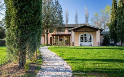 Offerta LUGLIO a Montefalco in Family Hotel con ristorante e piscina