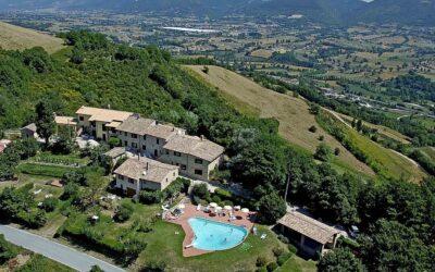 Offerta LUGLIO a Nocera Umbra in casa vacanza con piscina e parco giochi