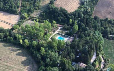 Vacanze di GIUGNO in Bungalow al Campeggio con Piscina sul Monte Cucco