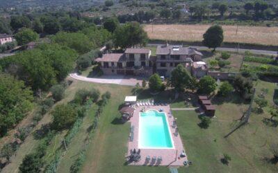 AGOSTO ad Assisi in Camere e Appartamenti con piscina e parco giochi