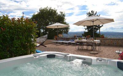 Last second LUGLIO in Agriturismo con piscina e jacuzzi tra Todi e Perugia