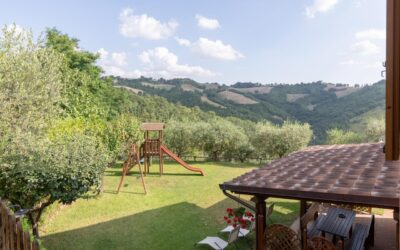Lastminute LUGLIO in Appartamenti self catering con piscina vicino Assisi