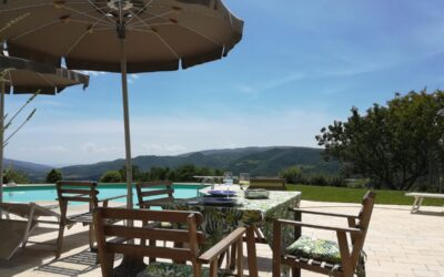 SETTEMBRE in Umbria in casa vacanza per famiglie con piscina e parco giochi