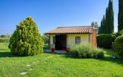 Lastsecond PONTE DEI SANTI ad Assisi in Casale con appartamenti indipendenti