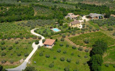 Agriturismo con Piscina e Ristorante la Fattoria di Giano dell'Umbria