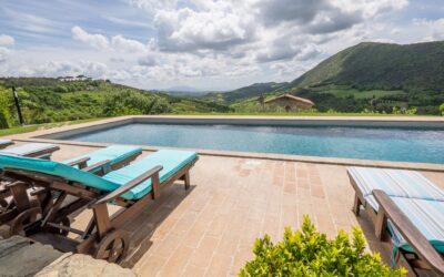 AGOSTO e FERRAGOSTO in appartamenti con piscina e alpaca in Umbria