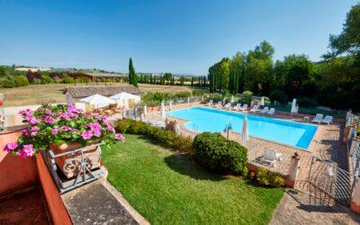 Vacanze estive di AGOSTO in agriturismo con piscina in Umbria!