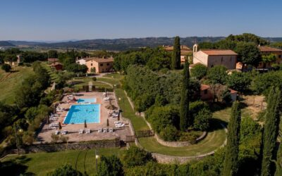 La Tenuta del Perugino – Borgo diffuso con appartamenti, ristorante, fattoria e piscina tra Umbria e Toscana
