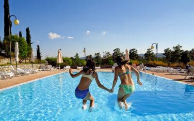 WEEKEND in Tenuta con appartamenti, ristorante, fattoria e piscina tra Umbria e Toscana