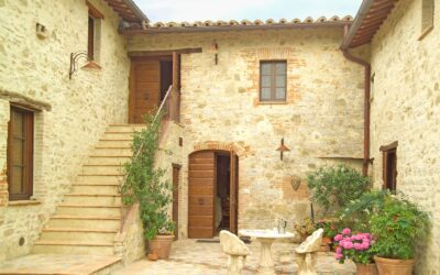 Affittare una Villa con piscina in Umbria per 12 persone a LUGLIO