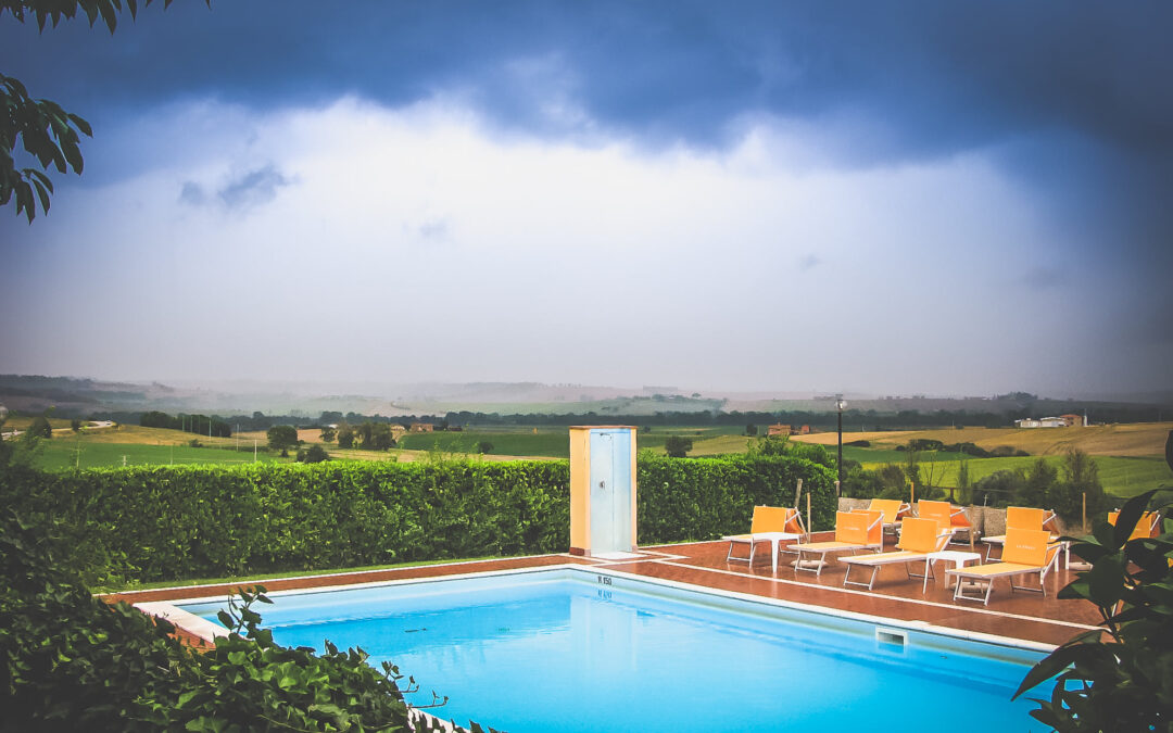 Lastminute AGOSTO in Agriturismo con Piscina salata e Spa tra Umbria e Toscana!