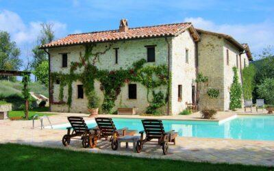 Lastminute SETTEMBRE in Villa con piscina salata in Umbria