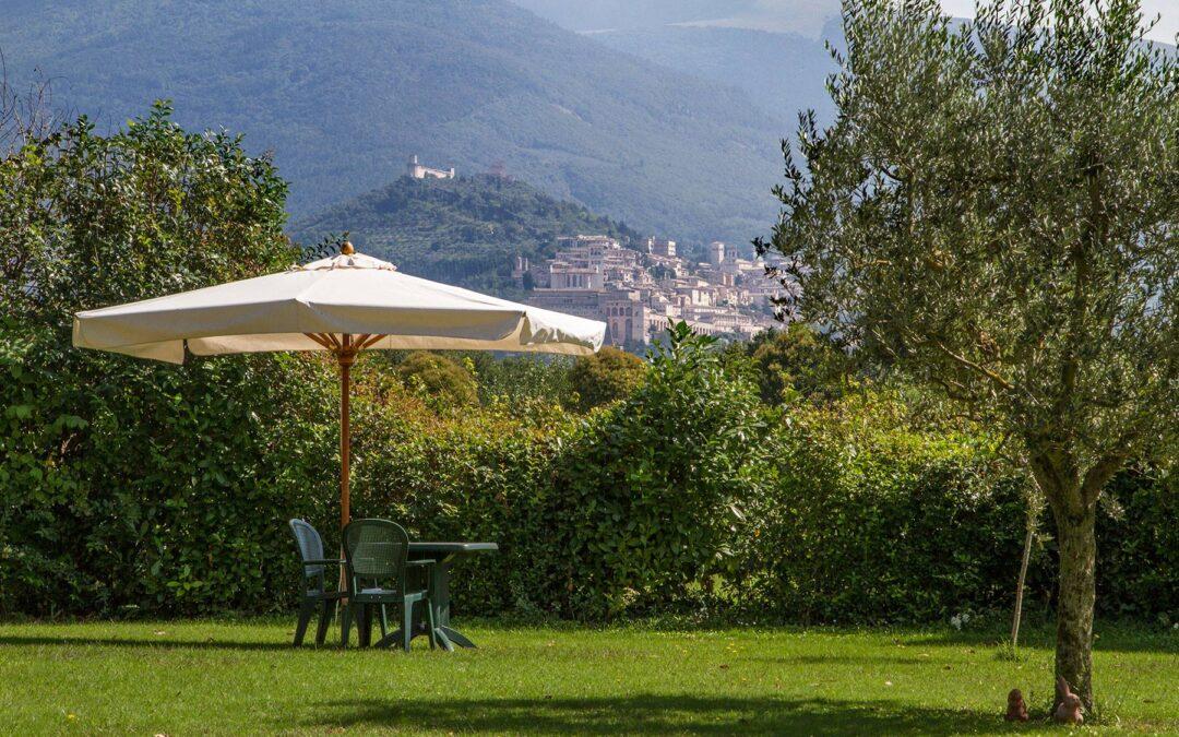 Lastminute OGNISSANTI ad Assisi in Agriturismo immerso nel verde con Ristorante